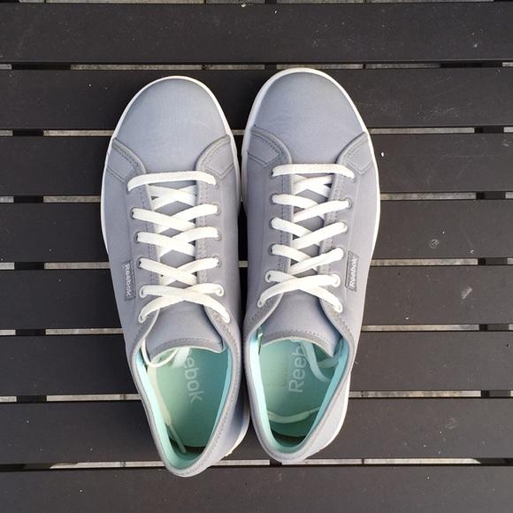 Reebok Skyscape Runaround Walking Shoes